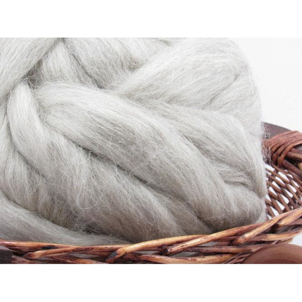 Light Grey Swaledale Wool Top Roving - Undyed Natural Spinning Fiber / 1oz