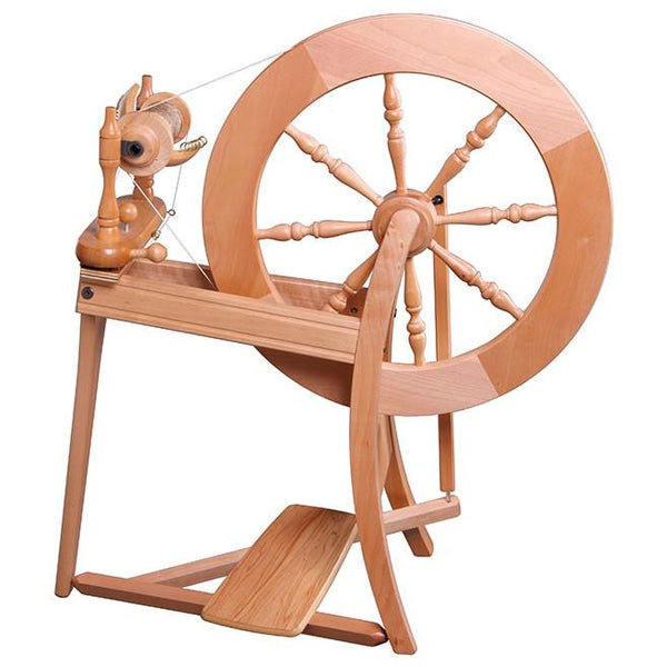 Ashford Traditional Spinning Wheel - Double Drive / Clear Finish