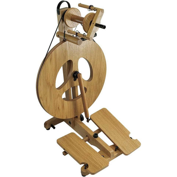 Louet Victoria Spinning Wheel - Oak