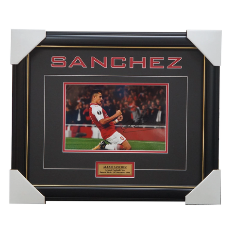 Alexis Sanchez Signed Arsenal Football Club Photo Framed with Plaque + COA - 3236