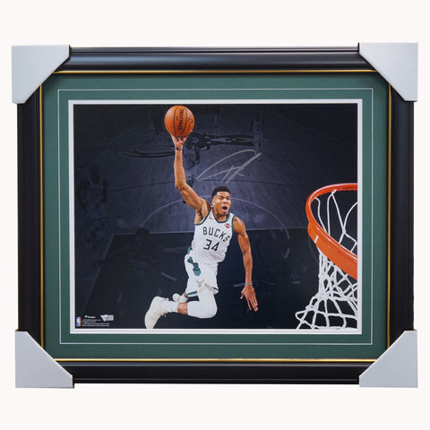 Giannis Antetokounmpo Milwaukee Bucks Slam Dunk Signed Official NBA Photo Framed Fanatics - 4434