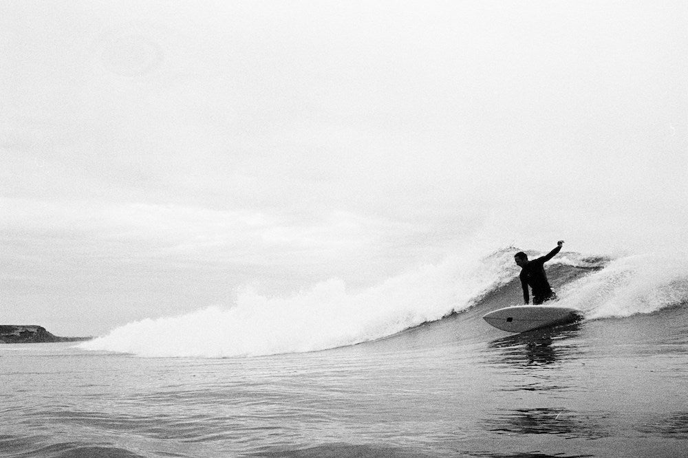 miguel constantino shooting 35mm surf photography