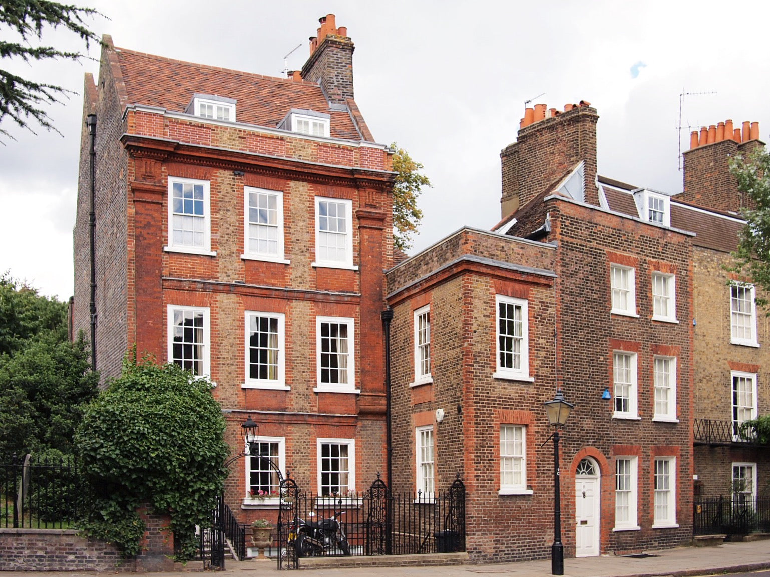 Elegant Georgian townhouses in the heart of Hampstead, London