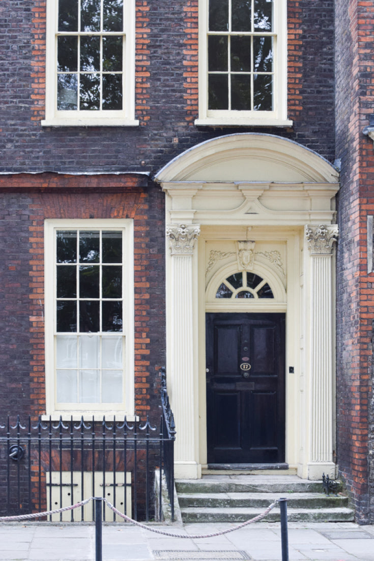 September's Bleak House Guide is walk through the City of London featuring medieval buildings, atmospheric alleys and some of Britain's most impressive modern architecture.
