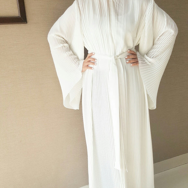 Stunning White Pleated Abaya With High Collar