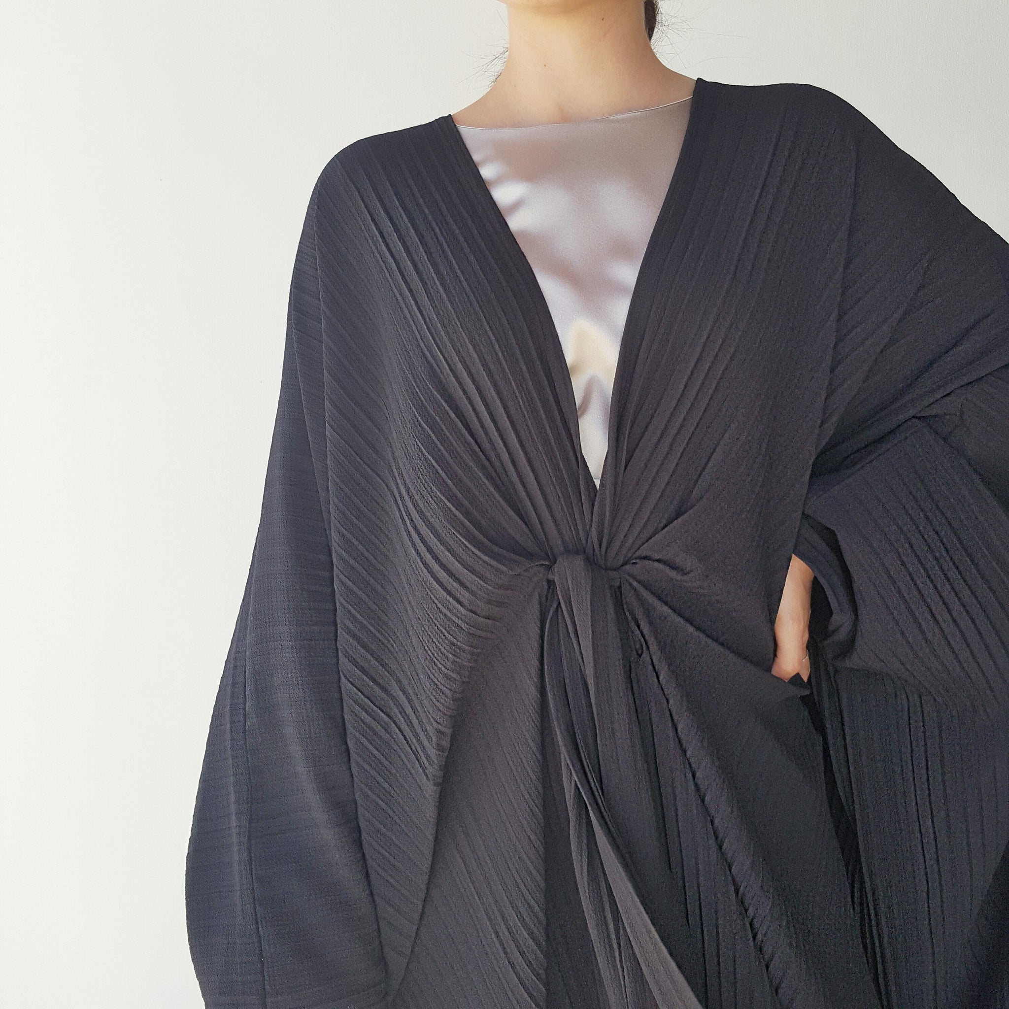 Ramadan 17 Black Pleated Abaya With Belt