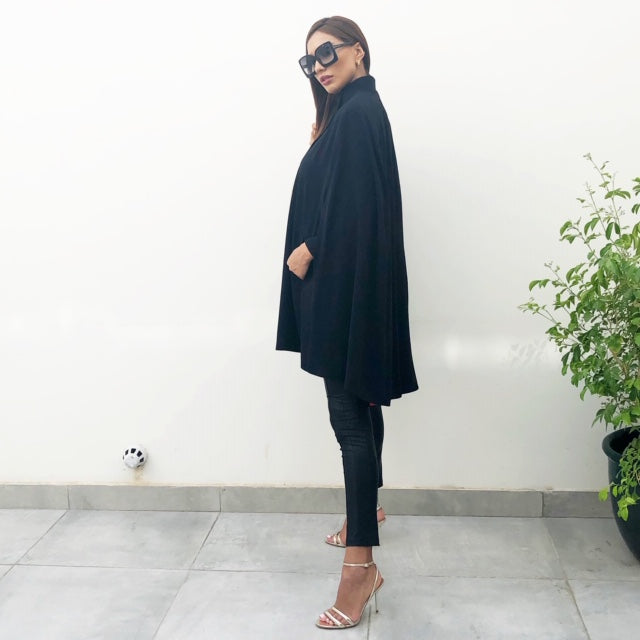 AW19 BLACK CREPE ELEGANT GRADUATED SHORT CAPE