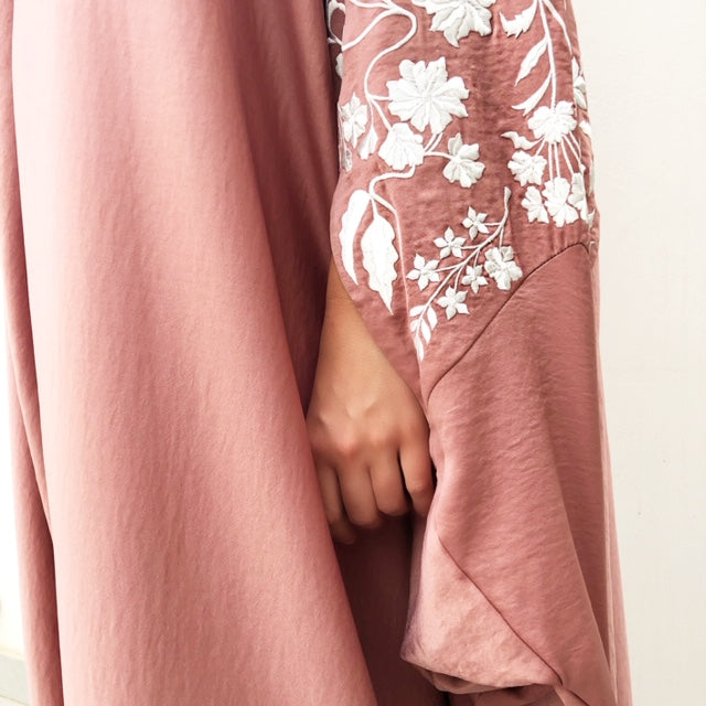 RAM19 SAKURA TEA ROSE EMBROIDERED SILK  KAFTAN