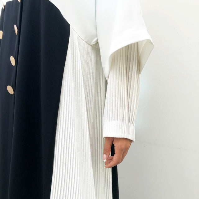 AW19 MONOCHROME ABAYA WITH WHITE PLEATS