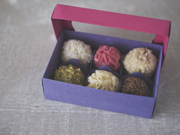 Brigadeiros boxes - Wedding Favors - Sweets - Brazillian cakes - FABWedding