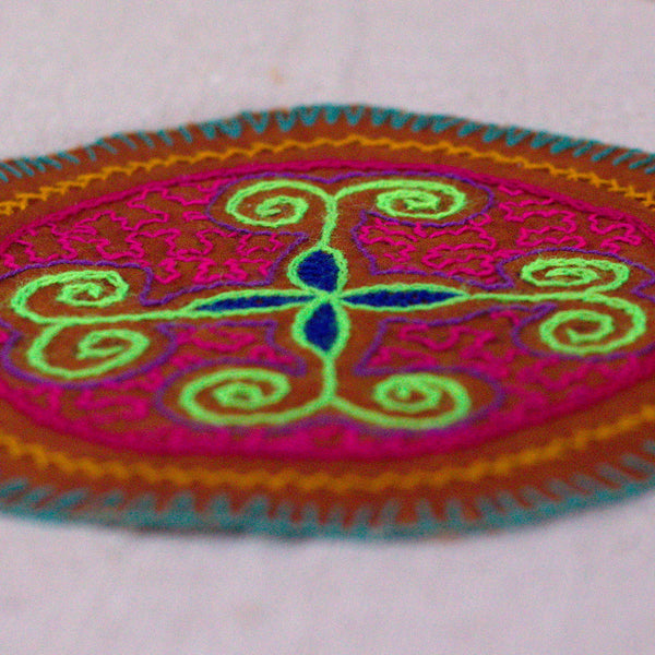 4 Directions - Original Shipibo embroidery