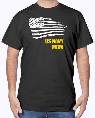 Proud Navy Mom Flying Flag T-shirts