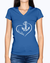 US Navy Mom Curve Heart T-shirts