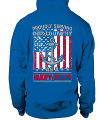 Navy Mom Proudly Serving T-shirts