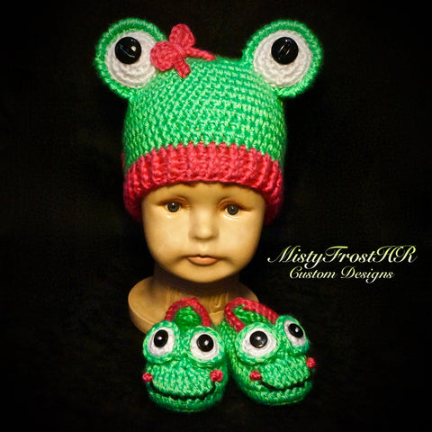 Baby Froggy Hat with Matching Shoes Set