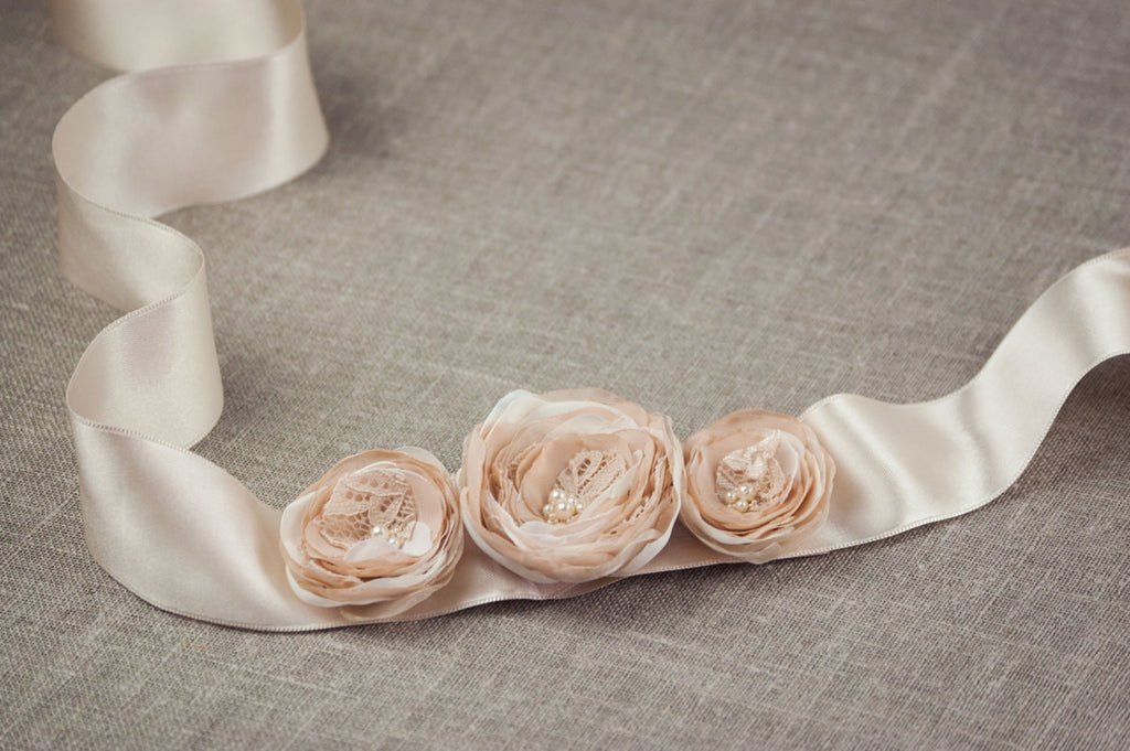 Rustic Wedding Sash, Wedding Belt, Flower Sash, Beige Wedding Sash, Champagne Belt, Floral Bridal Belt