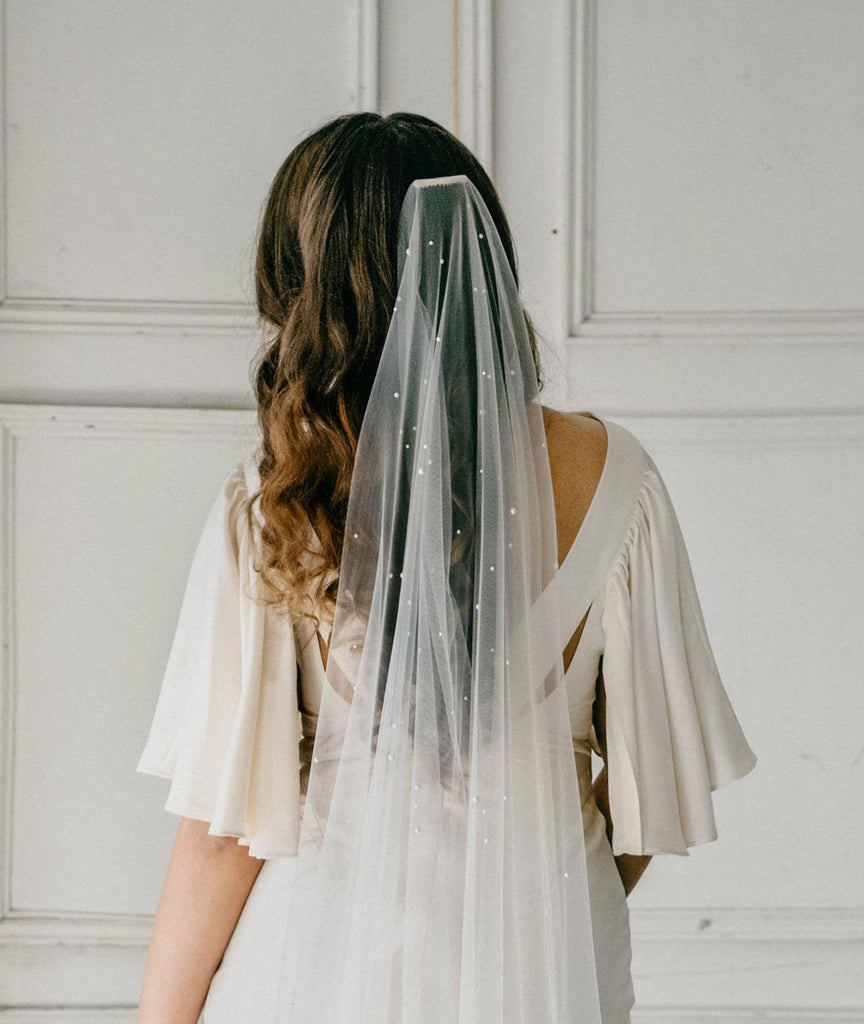 no gather wedding veil with different size pearls