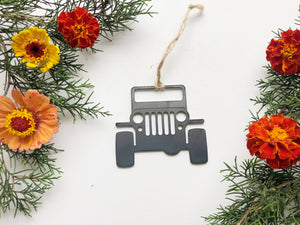 Off Roading 4x4 Ornament