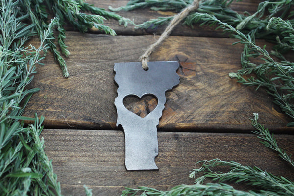 Vermont State Metal Ornament with Heart