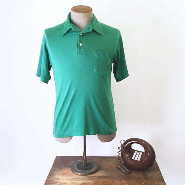1970s David Harrison Men's Vintage Kelly Green Short Sleeve Pullover Golf Shirt - Size MEDIUM
