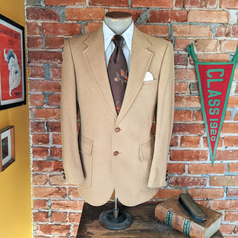 1970s Camel Hair Men's Suit Jacket Vintage Light Brown / Beige 100% Camel Hair Blazer / Sport Coat by Barrister - Size 38-39 (MEDIUM)