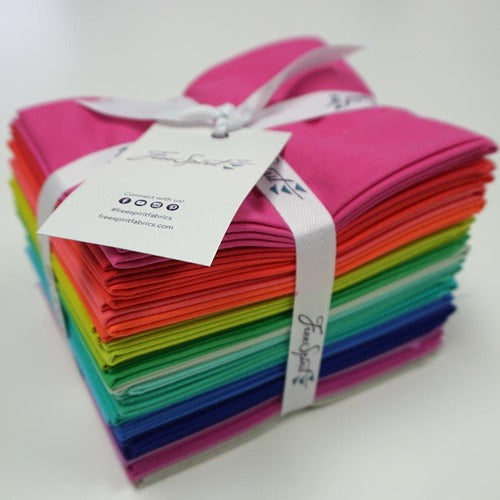 PREORDER - Tula Pink - Designer Essentials Solids - Fat Quarter Pack