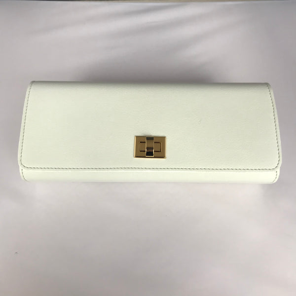 100% Vegan White Clutch