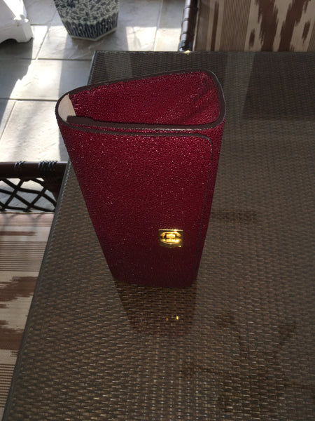 Red Shagreen Gold Closure