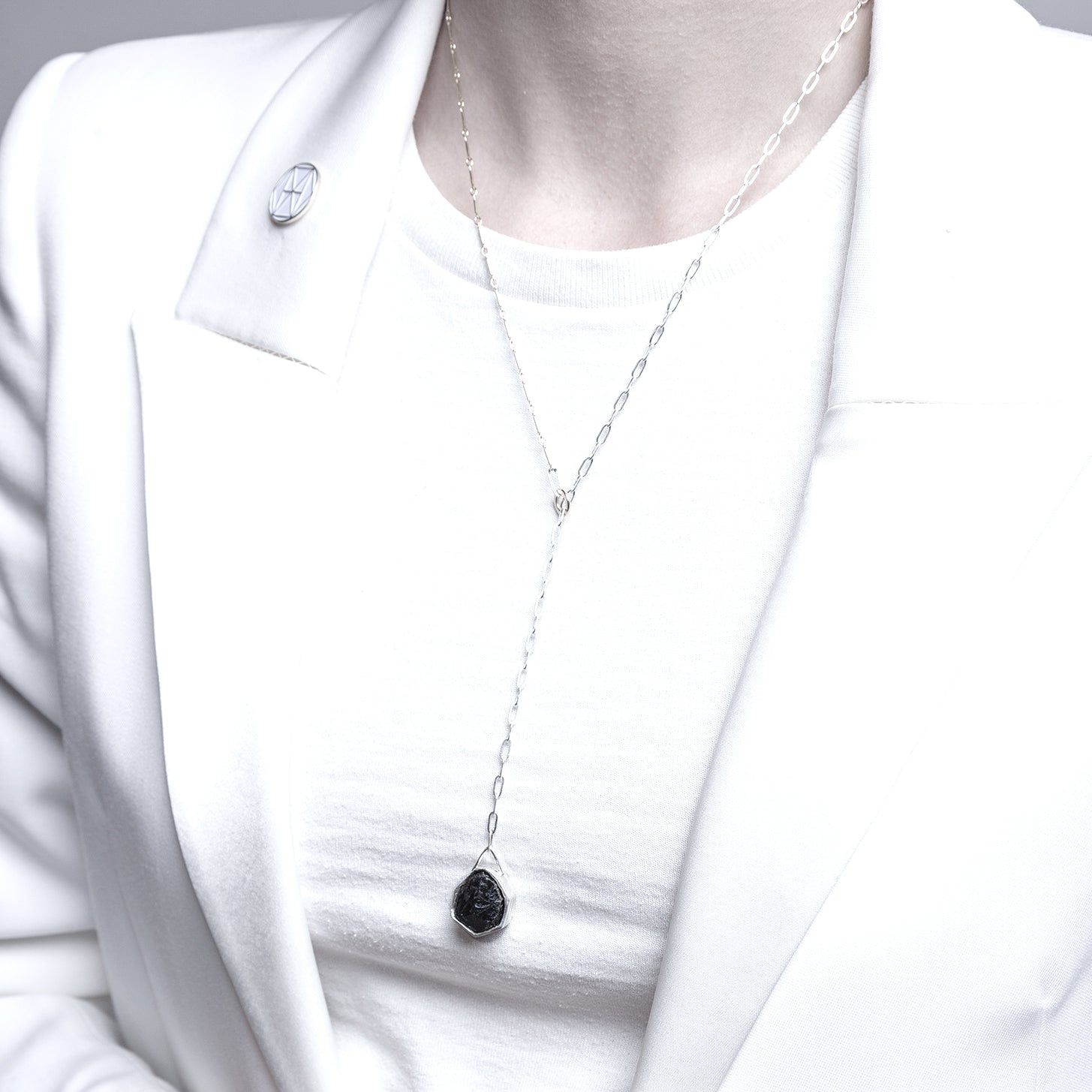 The Mixis Necklace ∴ The Æons