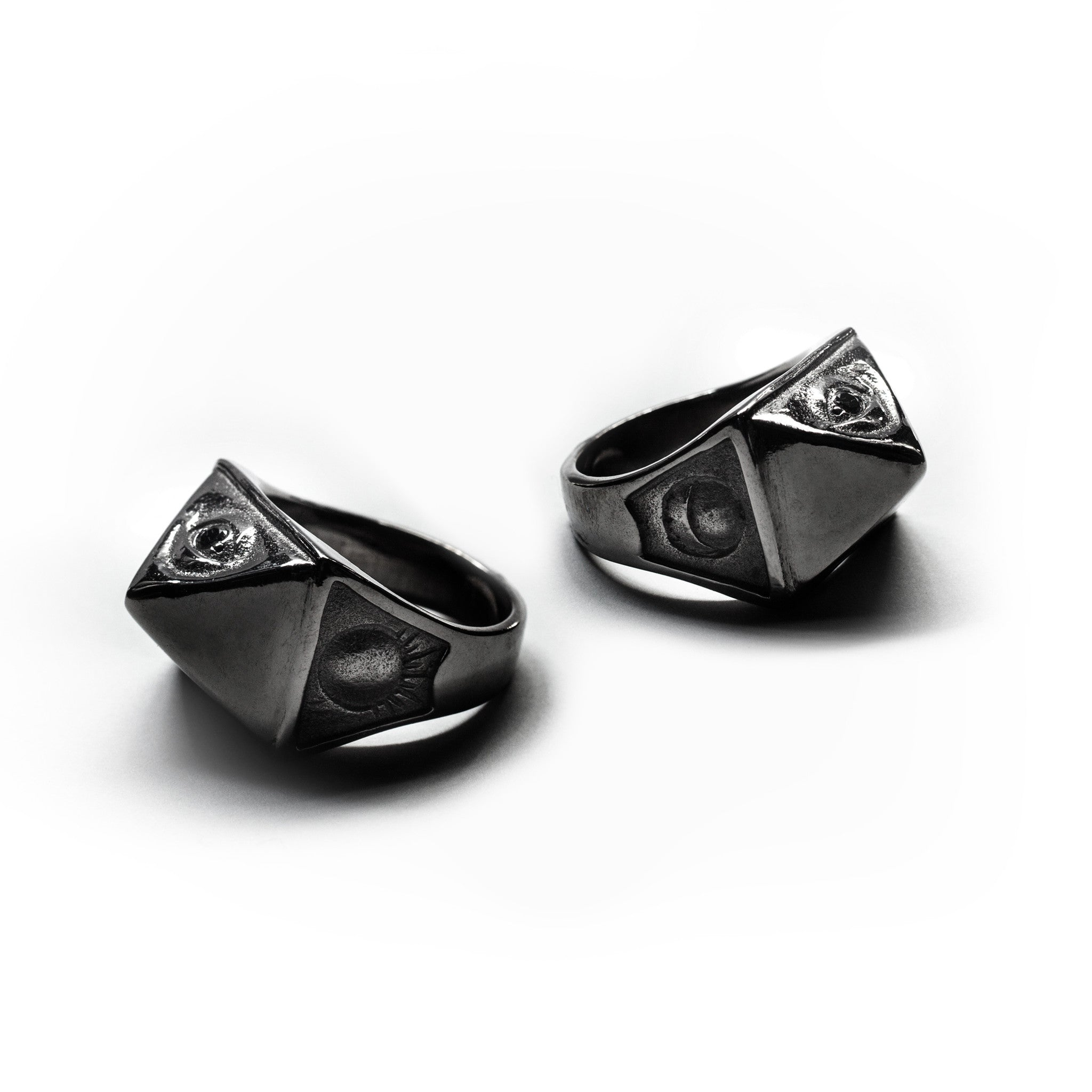 OUT OF THE DARKNESS :: THELEMA RING