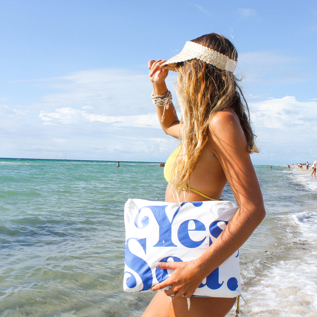 MAX Yes Sea Daniella Manini Pouch