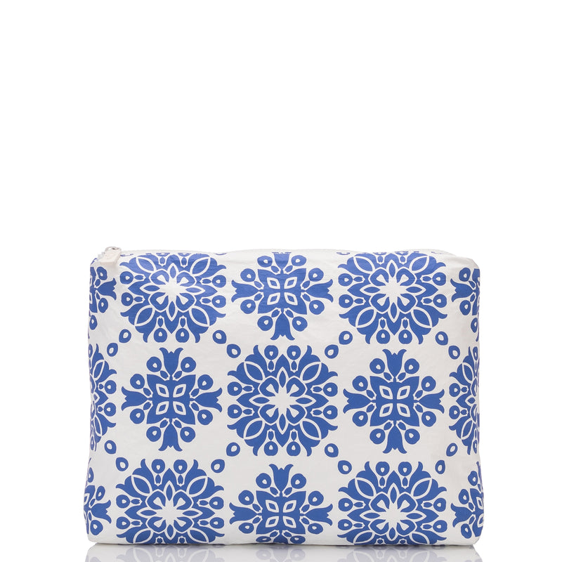 Mid Capri Pouch in Royal