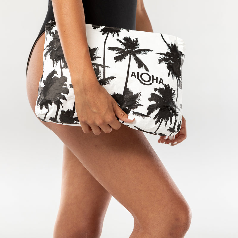Mid Coco Palms Pouch in Black