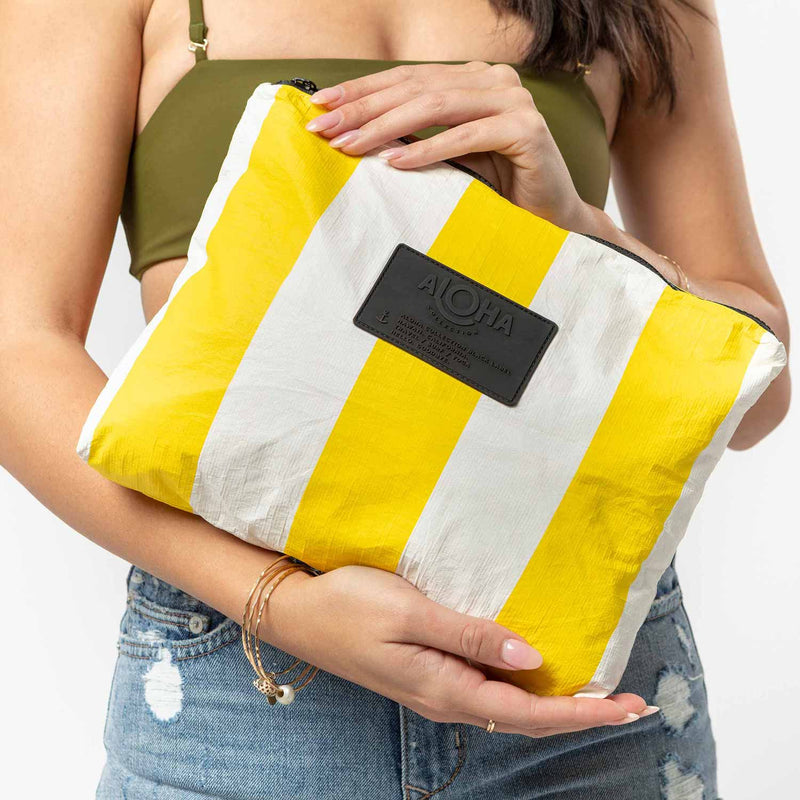 Mid Riviera Pouch in Canary