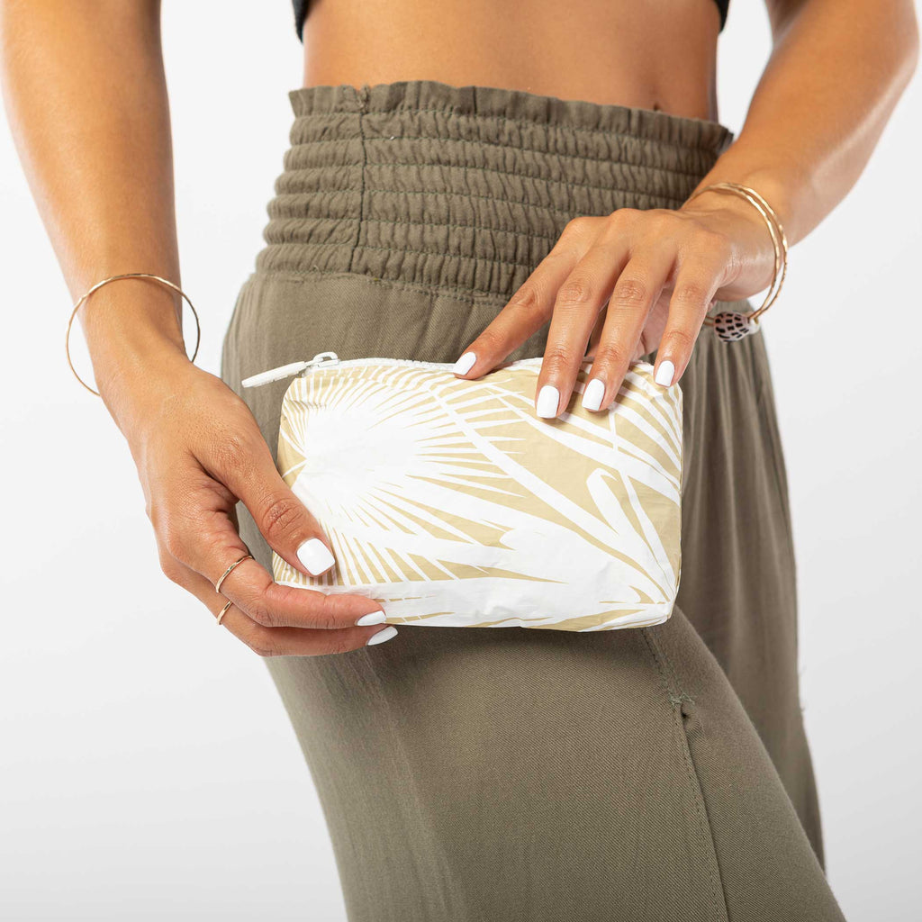 Mini Day Palms Pouch in Sand