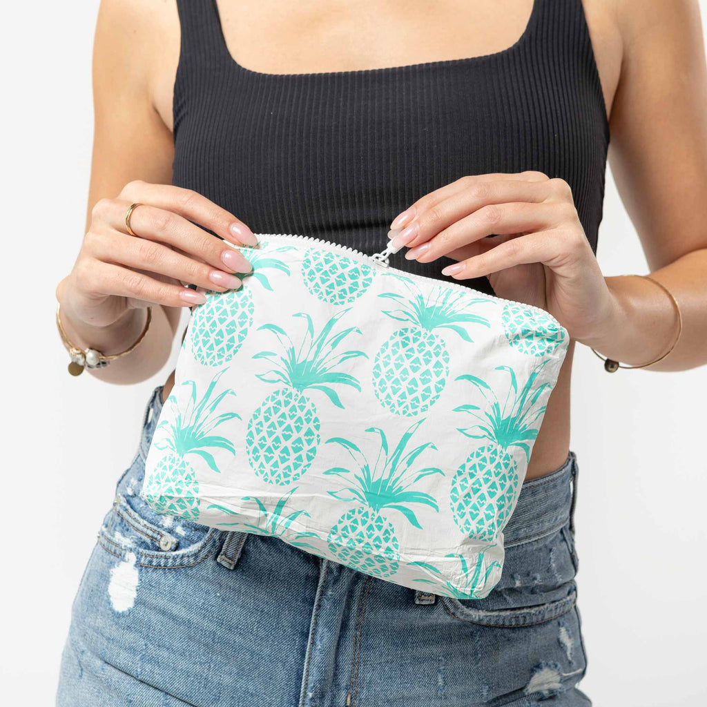 Small Piña Sola Pouch in Neon Turquoise