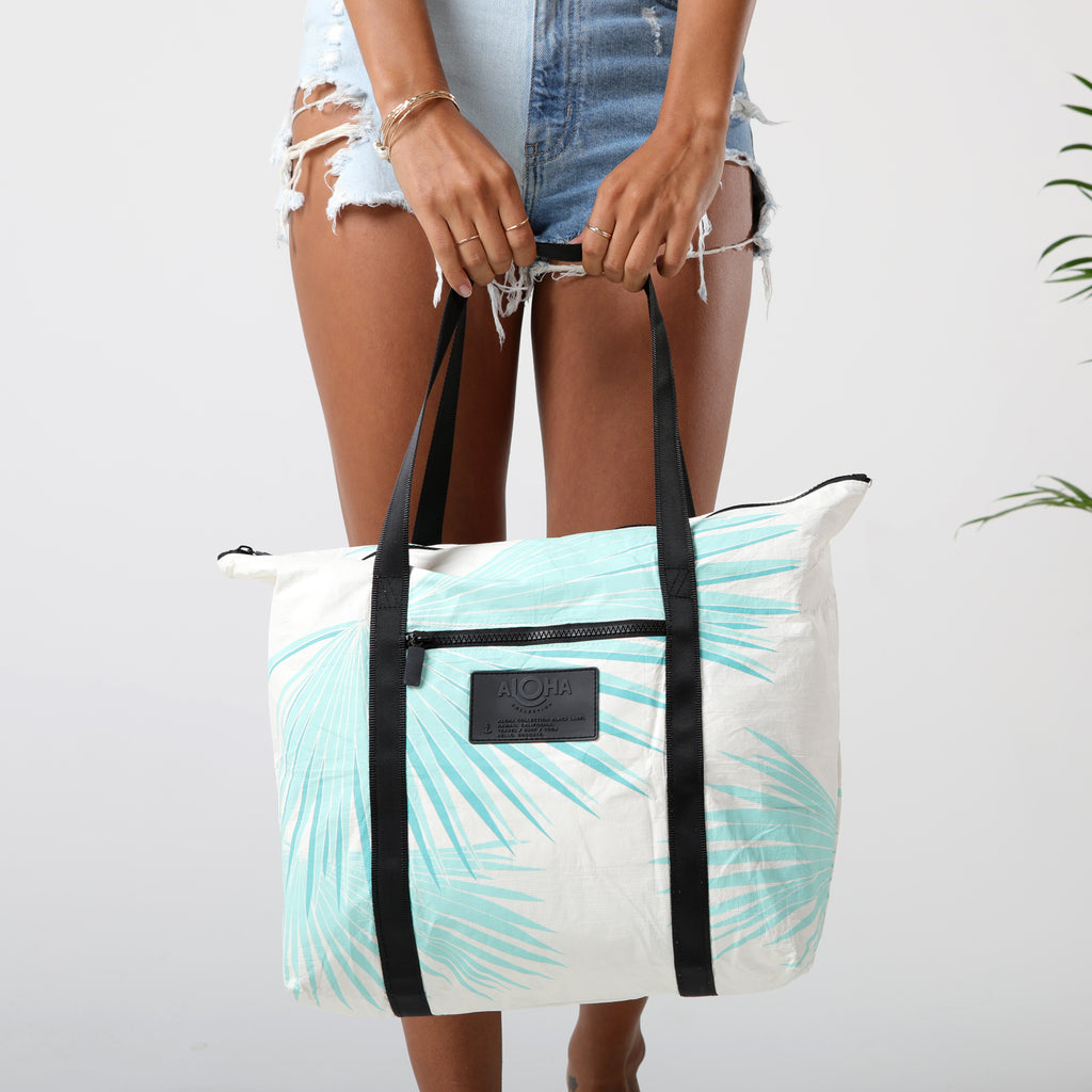 Tropical Fan Palms Zipper Tote in Pool