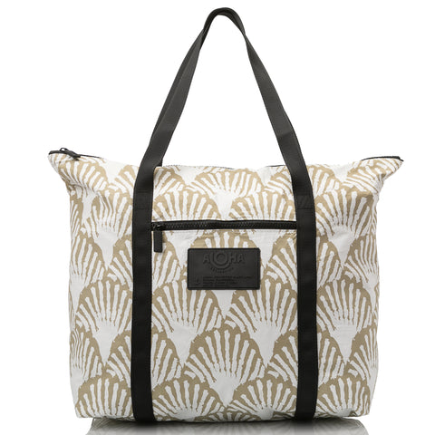 Shells Zipper Tote, sand