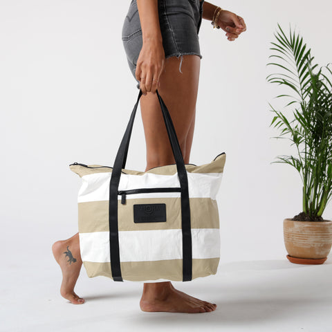 Umbrella Stripe Zipper Tote, sand