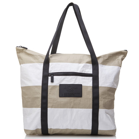 Umbrella Stripe Zipper Tote in Sand