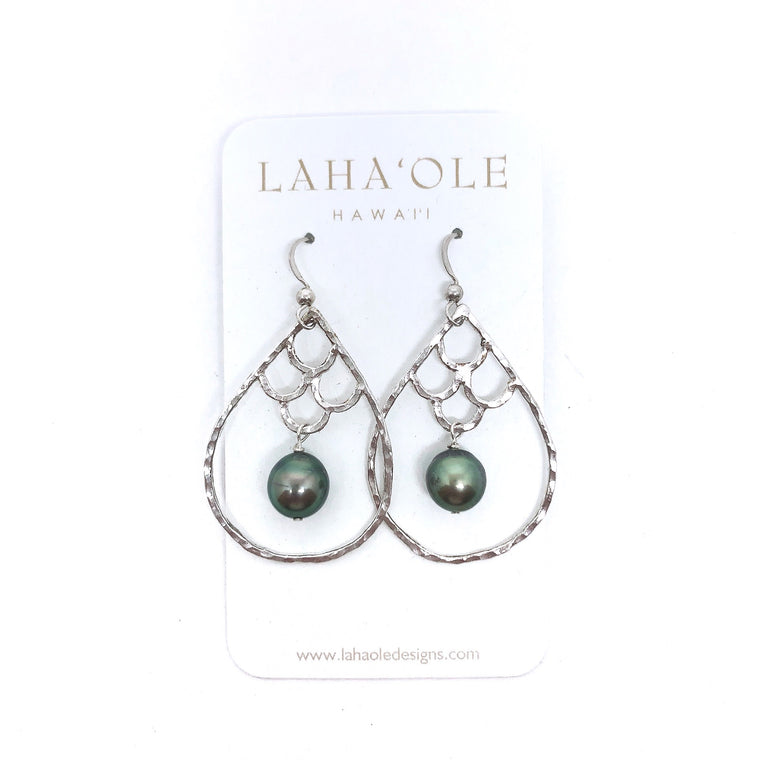 Kai Nalu 'Elua Hoops with Tahitian Pearls by Lahaole Designs