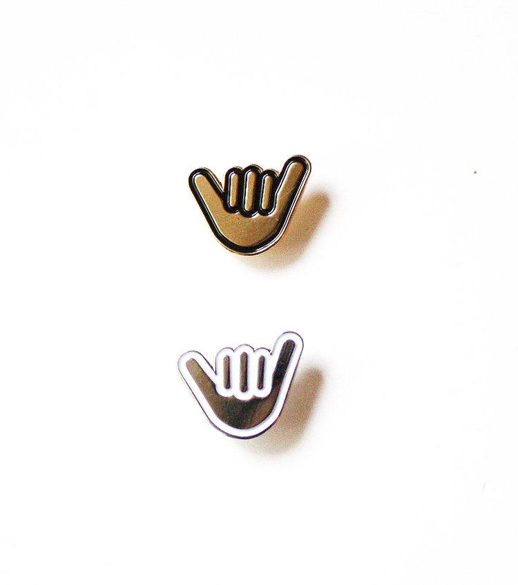 Shaka Pin Set in Silver & Gold