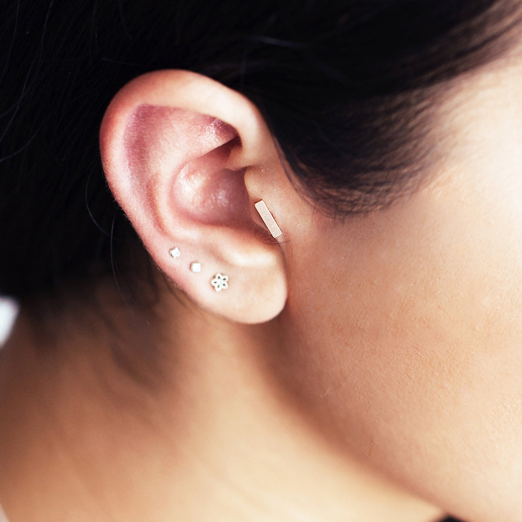 Bar Piercing - Black