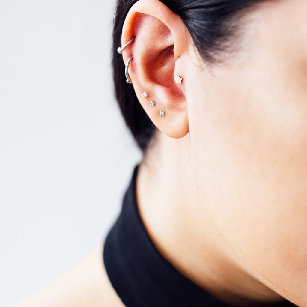 Star piercing Tragus - Black