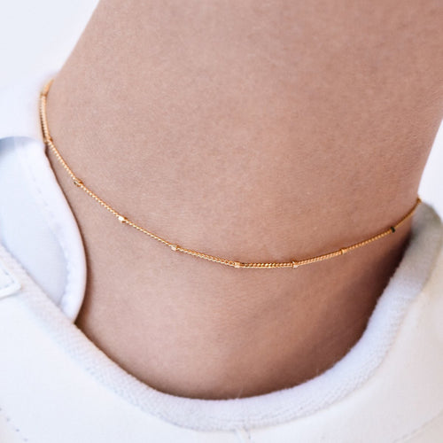 Disperse Bead Chain Anklet on model - rose gold
