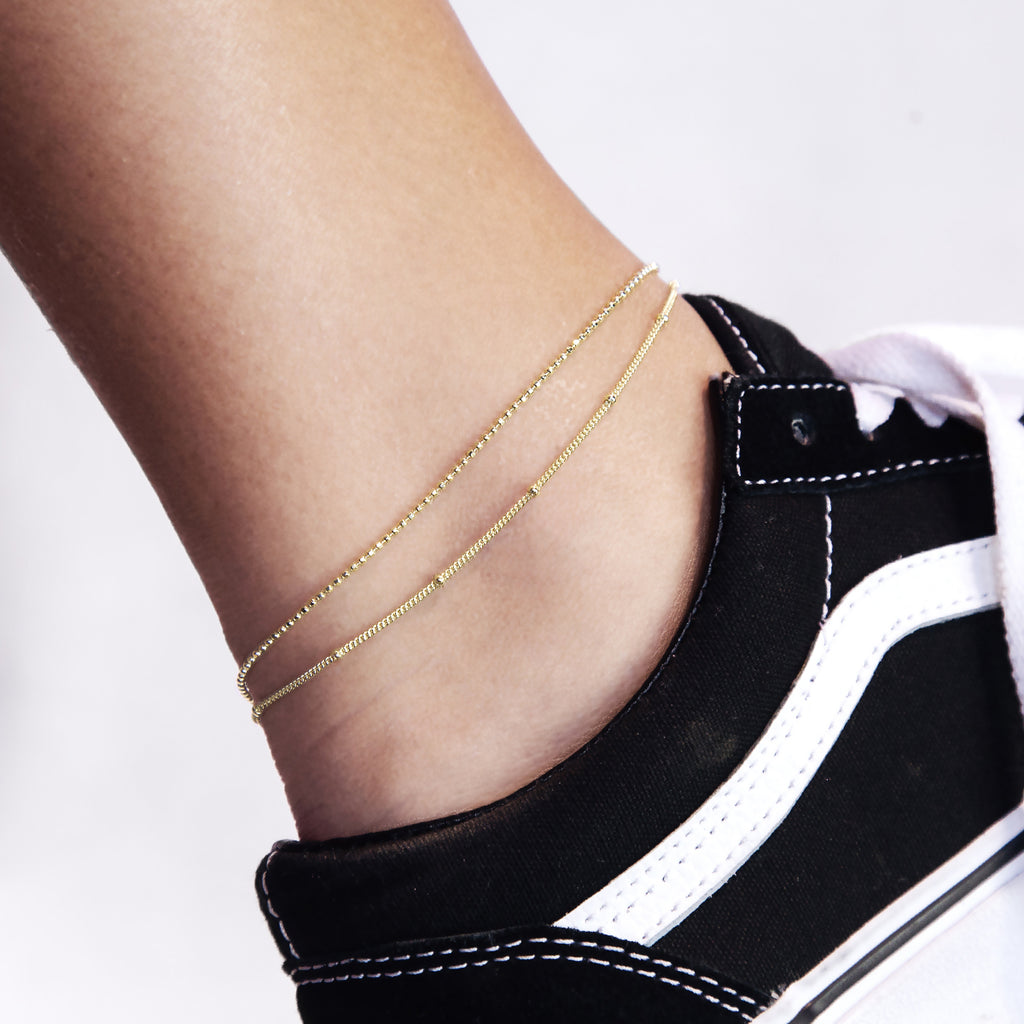 Parallels Double Chain Anklet on model - gold