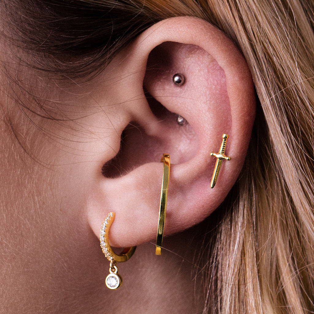 Euphoria Helix & Cartilage Ear Cuff Piercing on model - gold