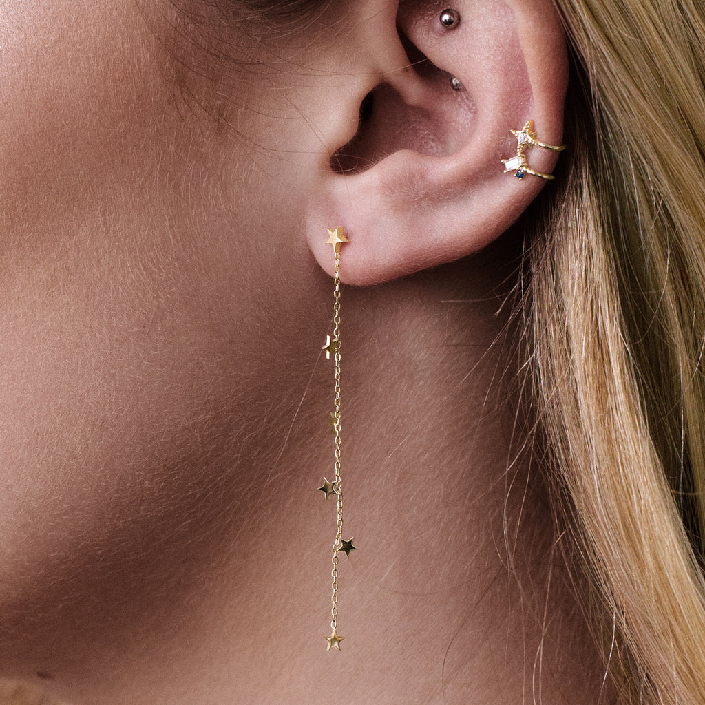 Star Catcher Chain Earrings on model - gold