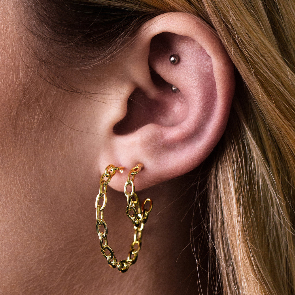 Stay Chain Link Hopp Earrings on model - gold