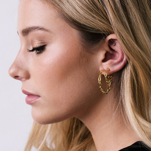 Sway Chain Link Hoop Earrings on model 3 - gold
